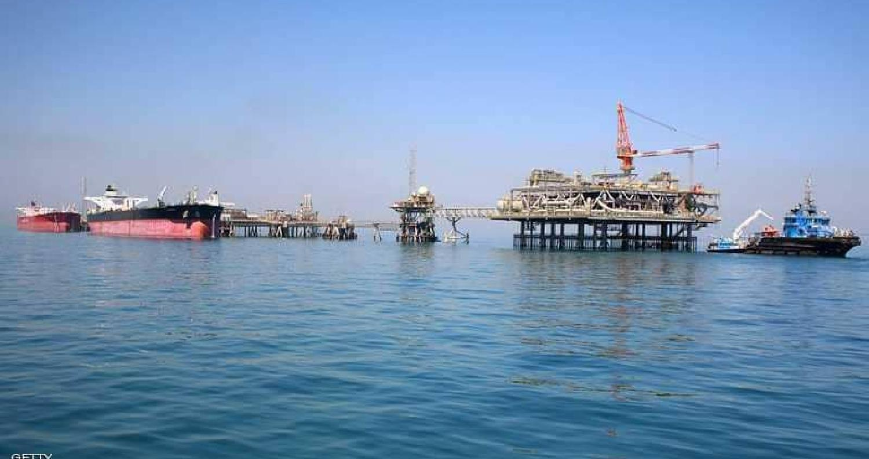 وصول ناقلة نفط عملاقة على متنها الوقود الذي قدمته دولة الكويت إلى العراق، لتشغيل المحطات الكهربائية الموقفة