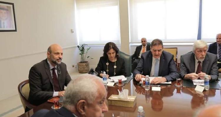 الرزاز يلتقي المجموعة الاستشارية الدولية للبرنامج النووي الاردني