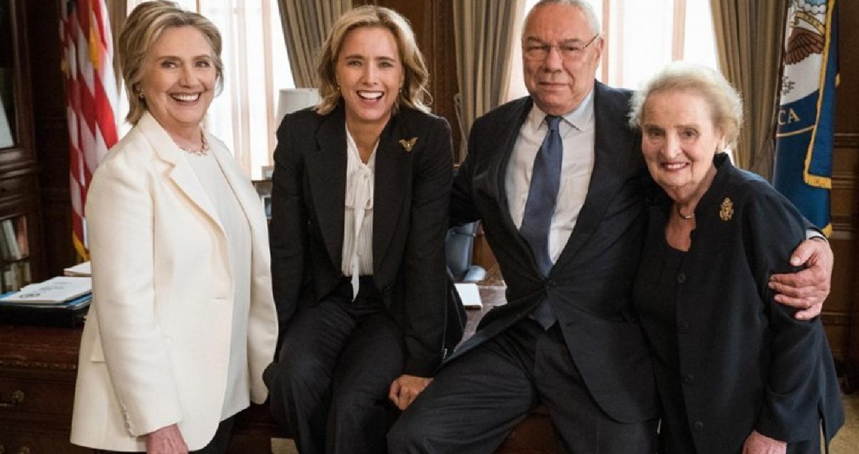 """قالت شبكة """"سي بي إس"""" التلفزيونية الأميركية، إن وزراء الخارجية السابقين كولن باول وهيلاري كلينتون ومادلين أولبرايت سيشاركون في أدوار شرفية با"""