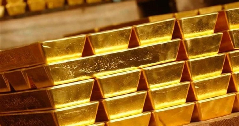 ارتفعت أسعار الذهب ، مع هبوط الدولار وترقب المتعاملين بيانات نمو الناتج المحلي الإجمالي الأميركي التي ستصدر يوم الجمعة.