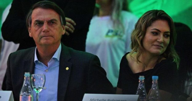 أعلن السياسي اليميني المتطرف والمثير للجدل، يائير بولسونارو، رسمياً، أنه سيخوض الإنتخابات الرئاسية في البرازيل التي تجرى في أكتوبر/تشرين الأول المقبل