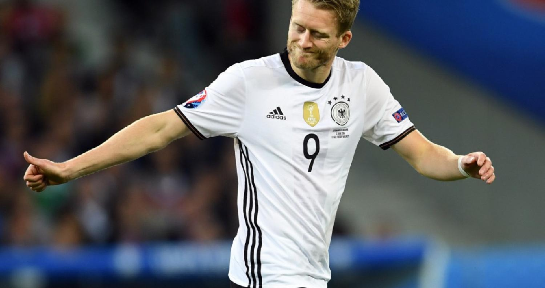 سيعود الجناح الألماني أندريه شورله إلى الدوري الإنكليزي لكرة القدم، بإنضمامه إلى فولهام على سبيل الإعارة قادما من بوروسيا دورتموند، بحسب ما ذكرت تقاري