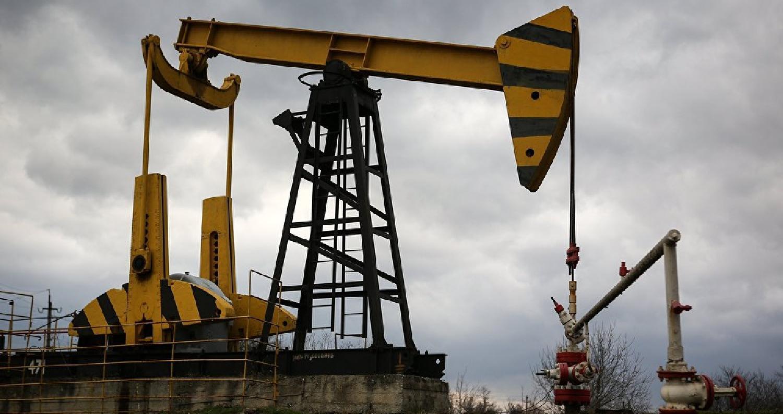تراجعت أسعار النفط الخام عالميا مع إفتتاح السوق الأميركية اليوم الأربعاء بعد بيانات أولية أظهرت إنخفاضا فاق التوقعات في المخزونات التجارية بالولايات ا