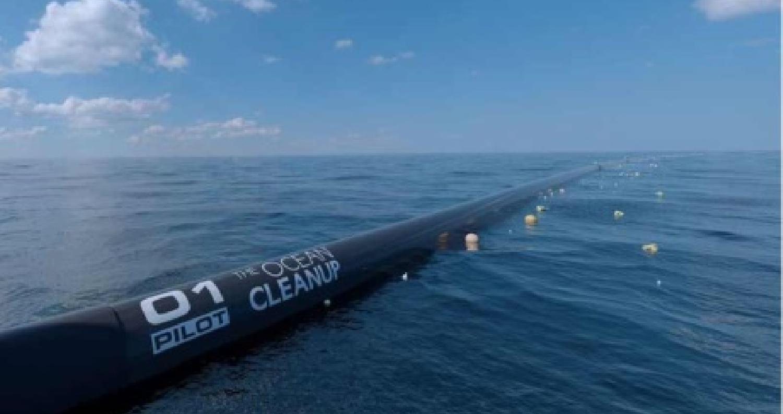 """صمم خبراء شركة """"أوشن كلينوب"""" الهولندية تقنية جديدة لتنقية المياه من القمامة ولإنقاذ المحيطات من التلوث خلال 22 عاما"""