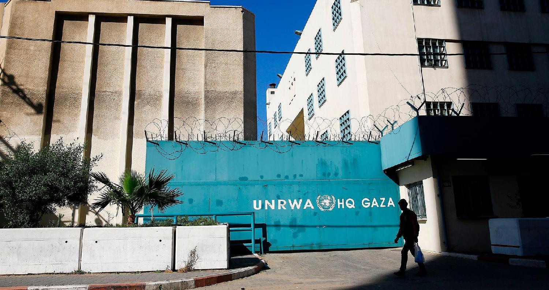 عم إضراب شامل، صباح اليوم الخميس، جميع مرافق وكالة غوث وتشغيل اللاجئين الفلسطينيين (الأونروا) في قطاع غزة