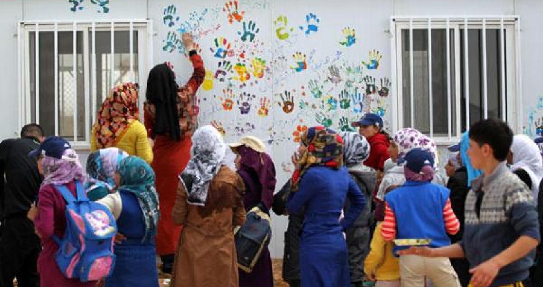 اليونيسف تنفي وقف عمل مدارسها في الزعتري