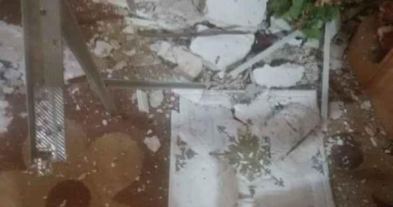 سقوط اجزاء من سقف منزل بالرمثا بسبب القصف السوري