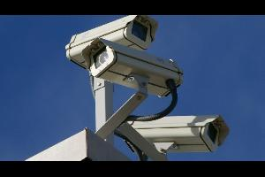 تقوم أمانة عمان الكبرى وبالتعاون مع إدارة السير المركزية بالتشغيل الفعلي لـ11 كاميرا ورادار موزعة على الشوارع والتقاطعات داخل حدود أمانة عمان الكبرى و