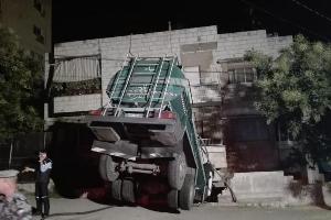 وقع حادث سير لموكب فرح (فاردة عرس) على طريق الرمثا جابر نتيجة تدهور صهريج. واصيب عدد من الأشخاص وفق مصدر أمني.