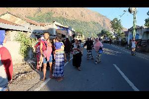 ضرب زلزال بقوة 4ر6 درجة على مقياس ريختر شرق جزيرة لومبوك الإندونيسية ما أسفر عن مقتل خمسة أشخاص، بحسب وكالة الأنباء الإندونيسية الرسمية اليوم الأحد