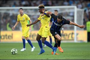 نجح تشيلسي الإنكليزي بالفوز على إنتر الإيطالي بركلات الترجيح 5-4 بعد التعادل 1-1 في مباراة ودية جرت في مدينة نيس الفرنسية اليوم السبت