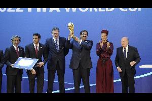 """أدار الفريق المكلف بملف ترشح قطر لإستضافة كأس العالم 2022 حملة سرية في عام 2010 للإضرار بملفات الدول المنافسة، بحسب تقرير لصحيفة """"صنداي تايمز"""" البريطا"""