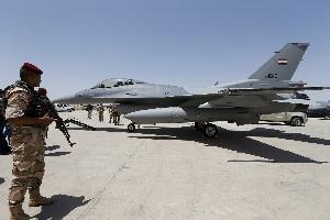 أعلنت مصادر أمنية عراقية اليوم الأحد، مقتل 15 إرهابيا بقصف للطيران الحربي العراقي في حوض حمرين قرب بعقوبة 150 كلم شمال شرق بغداد