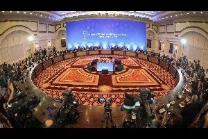 """وصل الوفد الروسي إلى منتجع سوتشي بجنوب روسيا، اليوم الأحد، للمشاركة في اللقاء العاشر حول سوريا ضمن """"صيغة أستانا""""، إلى جانب ممثلين عن إيران وتركيا"""