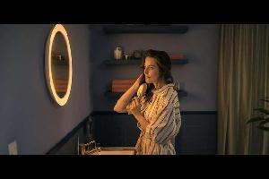 كشفت شركة فيليبس النقاب عن المرآة الذكية Hue Adore الجديدة، التي يمكن تركيبها فوق حوض الاغتسال.