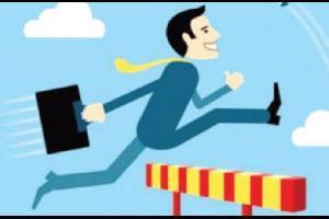 ينظر الشخص الناجح والذكي للعوائق التي تعترض طريقه بأنها تحديات عليه تخطيها للوصول لأهداف أكبر في حياته الشخصية والمهنية. بينما نجد بأن الآخرين ينظرون