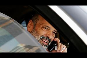 أعلن نقيب الأطباء الدكتور علي العبوس تعليق الإجراءات التصعيدية التي بدأها الأطباء العاملون في وزارة الصحة بالتوقف عن العمل لمدة ساعتين، عقب وجود بواد