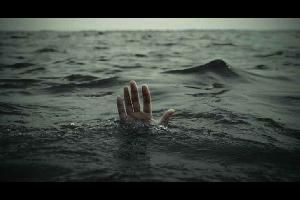 توفي شقيقان يبلغان من العمر (17,20) عاماً اثر تعرضهما للغرق داخل مياه سد القطرانة .