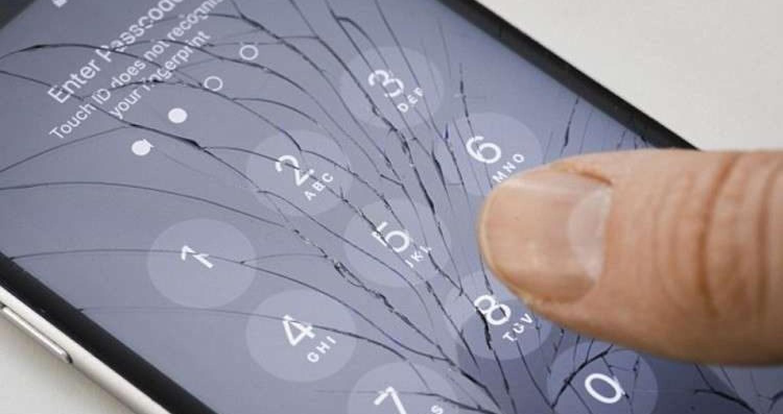 يجد مالكو الهواتف الذكية وأجهزة الكمبيوتر المحمولة أنفسهم محبطين بسبب بطء أو توقف أجهزتهم بعد ساعات قليلة من الاستخدام خلال فصل الصيف , ويمكن للهواتف