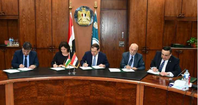 الاردن يوقع اتفاق استيراد 10% من احتياجات توليد الكهرباء من الغاز المصري