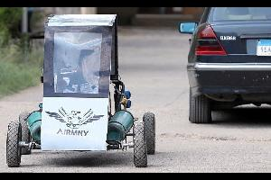 سيارة مصرية تعمل بالهواء