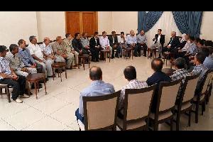 """استقبل الرئيس السوري بشار الأسد، يوم الاثنين، عمال شركة إسمنت """"الرستن"""""""