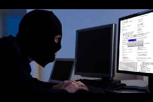 نشرت وحدة مكافحة الجرائم الالكترونية على صفحتها على الفيسبوك 10 خطوات لحماية حسابك من الاختراق على الفيسبوك، قالت الوحدة أن هذه الخطوات كفيلة بحمايته.