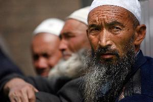 الصين تنفي اعتقال مليون إيغوري