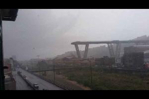 انهيار جسر في إيطاليا ومخاوف من سقوط ضحايا.. فيديو