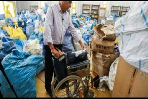 الاحتلال يسمح بدخول أطنان من البريد الفلسطيني المتأخر منذ سنوات