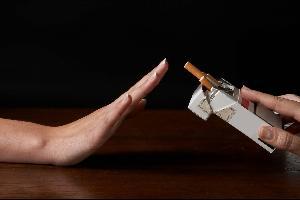 التوقف عن التدخين يزيد الوزن
