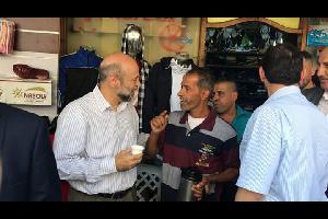 تفقد رئيس الوزراء الدكتور عمر الرزّاز، يرافقه وزير الصّناعة والتّجارة الدكتور طارق الحمّوري، اليوم السبت الأسواق في محافظة الزرقاء، قبيل عيد الأضحى ال