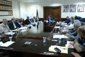 سما الأردن  أكد وزير الصحة الدكتور محمود الشياب على جاهزية المستشفيات والمراكز الصحية المناوبة لاستقبال المراجعين ضمن الخطة التي أعدتها الوزارة لتقديم