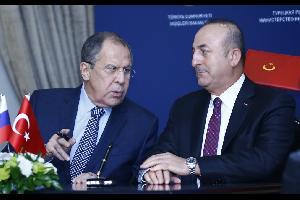 لافروف يبحث الملف السوري مع نظيره التركي