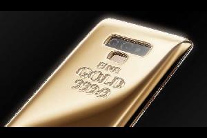 """طرحت شركة كافيار المتخصصة بإكسسوارات وكماليات الهواتف الذكية الفاخرة نموذجاً جديداً لهيكل هاتف """"سامسونغ غالاكسي نوت 9"""" على شكل سبيكة ذهبية"""