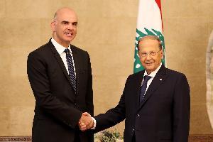 """أعلن رئيس الإتحاد السويسري الآن برسيه من بيروت """"أن سويسرا تدرك التحديات التي يواجهها لبنان جراء الصراع في سوريا وبلدي يحيّي الكرم اللبناني في استضافة"""