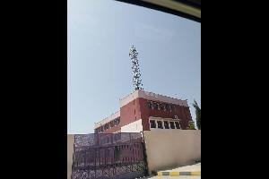 التربية: أبراج الإتصالات فوق أسطح المدارس آمنه