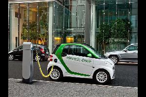 حلول جديدة لشحن بطارية السيارات الكهربائية