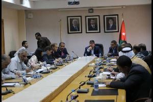 لجنة نيابية تطالب رئيس الوزراء بتجنيد أبناء المخيمات