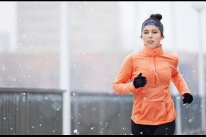 كيف يساعد الطقس البارد في تخفيض الوزن؟