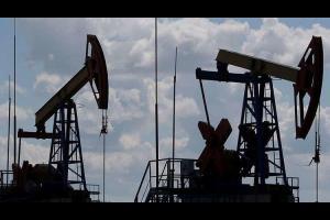 أسعار النفط تنخفض بعد تغريدة من ترامب