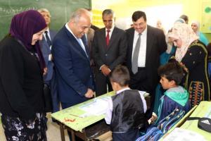 محافظه يتابع سير العملية الإنتخابية في المدارس