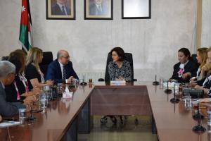 وفد من المجلس الدولي للنساء التونسي يزور وزارة التنمية الاجتماعية