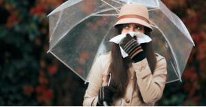 """أعراض """"حساسية الخريف"""" وطرق علاجها"""