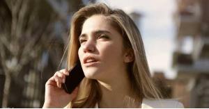 """دراسة: الهواتف """"تسبب السرطان"""".. والحل"""