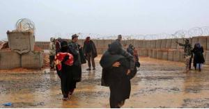 أول قافلة أممية في مخيم الركبان السوري منذ أشهر