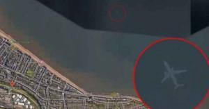 """العثور على طائرة """"غارقة"""" عبر خرائط غوغل"""