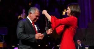 الملك يتسلم جائزة تمبلتون.. صور