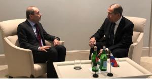 الصفدي يبحث مع لافروف حل الأزمة السورية