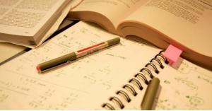 """امتحان """"الرياضيات"""" و""""عربي تخصص"""" بجلستين"""